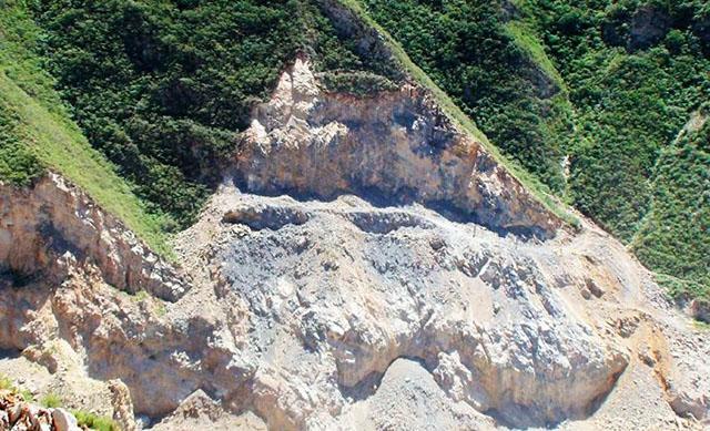 Olivine (mineral)